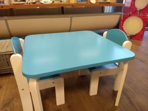 Children's toy houses, storage box, tables and chairs / Kinder speelgoed huisjes, opbergdoosjes, tafeltjes en stoeltjes